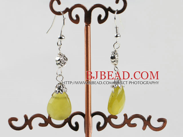 lovely faceted South Korea jade earrings with flower charm