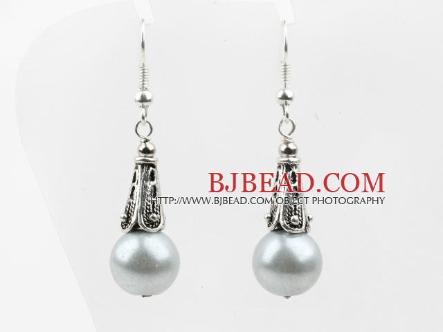 Round Lihgt Gray Seashell Beads Earrings
