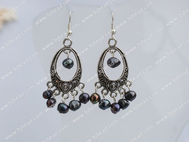 6-7 black earrings