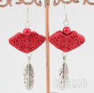 lacquer-carved earring