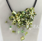 beautiful 17.7 inches green pearl and shell flower necklace