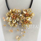 beautiful 17.7 inches gold pearl and shell flower necklace