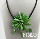 17.7 inches green shell flower pearl necklace with magnetic clasp under $ 40