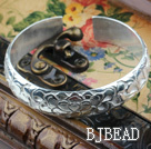 Classic Design Sterling Silver Bangle (With the Partern of Beautiful Flower)