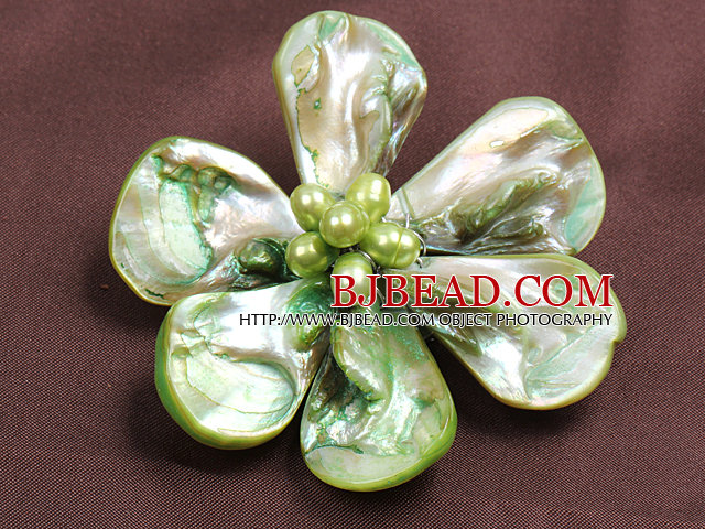 Beautiful Natural Light Green Pearl Shell Flower Brooch
