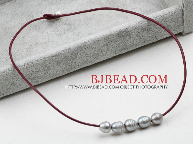 Simple Design Gray FW Pearl Necklace with Brown Leather
