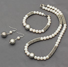 New Design White Freshwater Pearl and Metal Set ( Necklace Bracele and Matched Earrings )