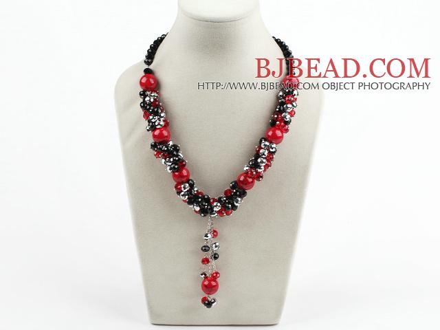 730321f3ad59 cristal y un collar de piedras de sangre