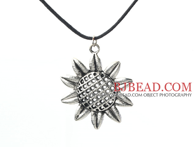lovely 17.7 inches sunflower pendant necklace with extendable chain