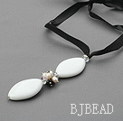 Simple Design Pearl and White Porcelain Stone Pendant Necklace