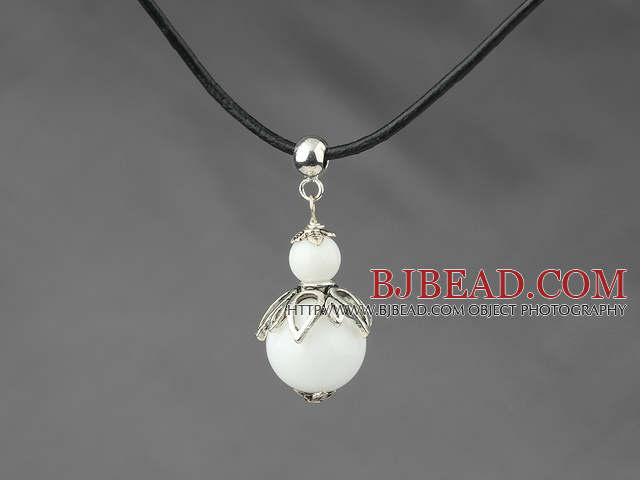 Classic Design White Stone Pendant Necklace with Adjustable Chain