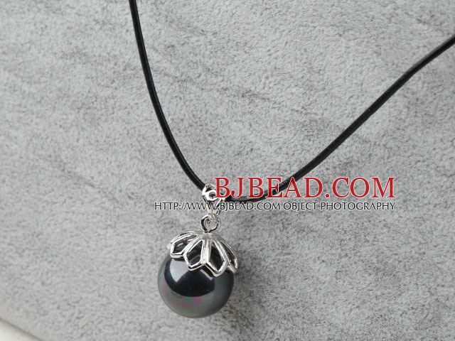 Classic Design Round Shape 16mm Black with Colorful Seashell Pendant Necklace