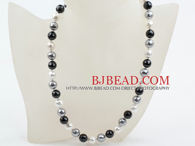 Clssic Design 12mm Faceted Round White Black and Gray Seashell Beaded Necklace
