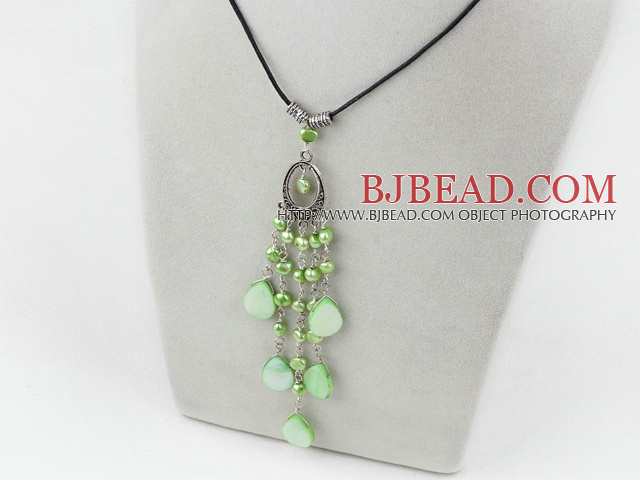 dyed green pearl shell necklace with lobster clasp