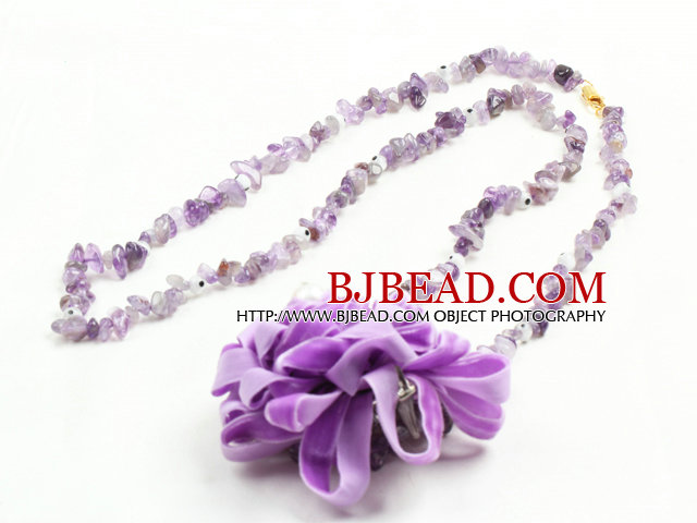Trendy Simple Style Long Gemstone Chips Necklace with Statement Flower Charm (Amethyst, Red Jasper, Natural Agate --Random Delivery)