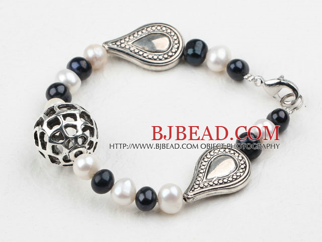 White and Black Freshwater Pearl Bracelet with Tibet Silver Accessories