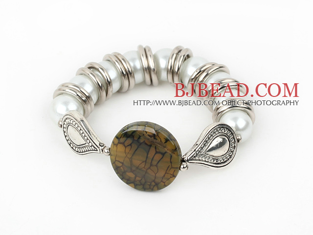 7.5 inches seashell beads and agate bangle
