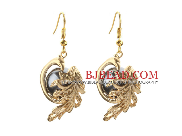 Fashion Style Black Seashell Beads and Immitation Gold Earrings