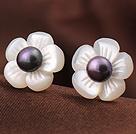 Cute Plum Flower Shape Shell og Black Pearl 925 Sterling Sølv Ørestikker Øreringe