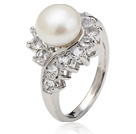 Classic Natural 8 -9mm bianco perla anello con strass di Charme