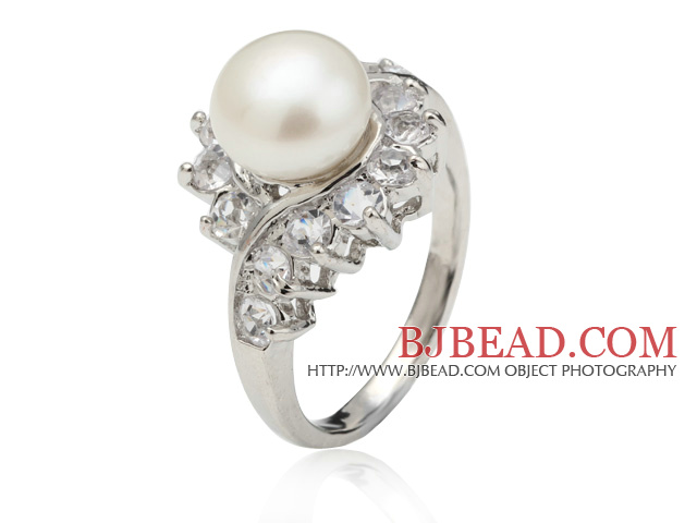 Classic Natural 8-9mm White Freshwater Pearl Ring With Charming Rhinestone