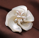 Elegant Style White Color Trochus Shell and Pink Pearl Flower Brooch