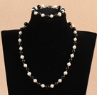 Graceful 7-8mm Natural White Freshwater Pearl Black Agate Party Jewelry Set (Necklace & Bracelet)
