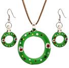 Dejlig grøn farvet glasur Jul / Xmas Swim Ringen vedhæng halskæde med matchede øreringe sæt