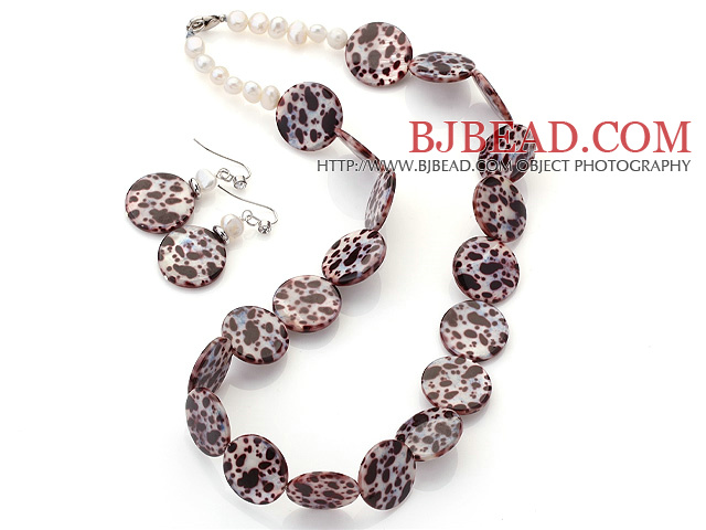 Fashion White Freshwater Pearl And Round Disc Painted Shell Sets (Necklace With Matched Earrings)