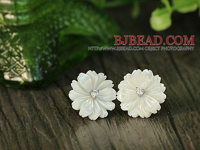 Beautiful White Shell Flower Zircon Sterling Silver Studs Eearrings