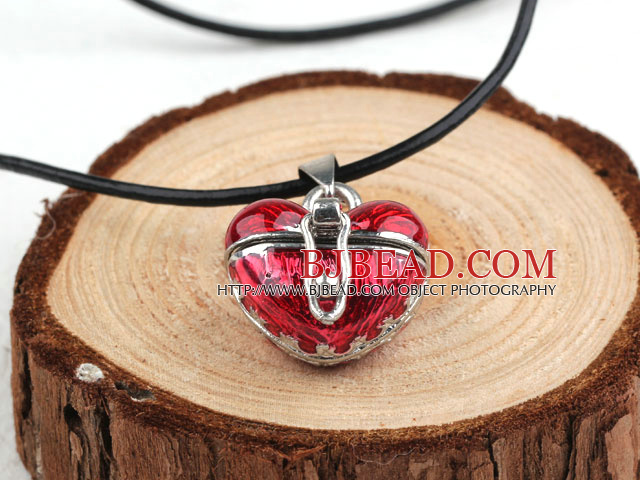 Fashion Style Red Color Heart Shape Wish Box Metal Pendant Necklace with Leather Thread