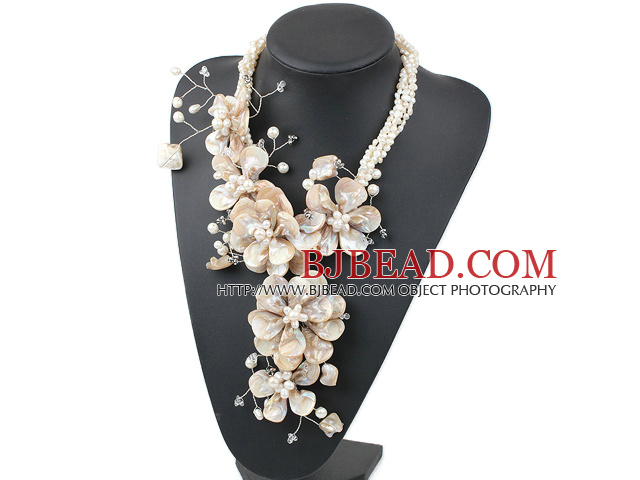 New and Big Style White Freshwater Pearl and Shell Flower Party Necklace
