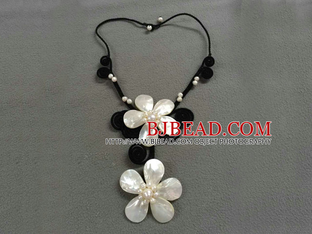 Beautiful Natural White Freshwater Pearl Shell Flower Party Necklace