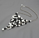 Fashion Style Black Agate and White Porcelain Stone Metal Wrapped Necklace with Metal Chain