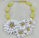 Fashion High Quality Natural Nut Shape Yellow Jade And White Porcelain Crystal Flower Party Necklace