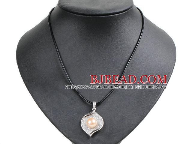 Collana di cuoio elegante semplice big natural rosa perla for Foglio metallico