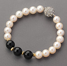 A Grade Round White Freshwater Pearl and Black Agate and Golden Color Metal Beads Bracelet
