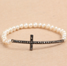Hot Sale 5-6mm Natural White Freshwater Pearl Stretch Bracelet with Rhinestone Cross Charm