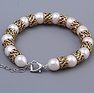 Fashion 9-10mm Natural White Freshwater Pearl Beaded Bracelet With Special Copper Charms