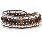 Fashion Multilayer 4mm Ronde Tiger Eye En zilveren kralen handgeknoopt Bruin lederen wrap armband
