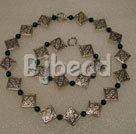 Malachite pewter necklace under $ 40