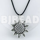 Simple tibet silver flower pendant necklace with extendable chain